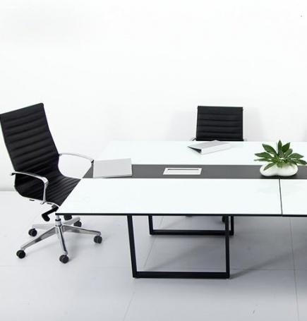 Mesa de Juntas Ensambla